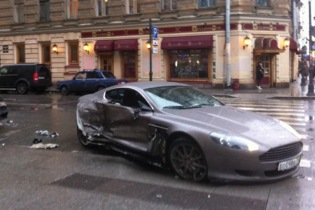 Totalled Aston-Martin DB9