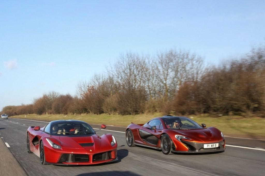 Side by side Ferrari LaFerrari and McLaren P1