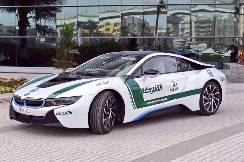 Dubai Police Add 100 000 Bmw I8 To Supercar Fleet The Car
